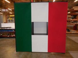 Quadro S Pop Up with Shadowboxes, Fabric Panels, and Case-to-Counter Conversions -- Image 2