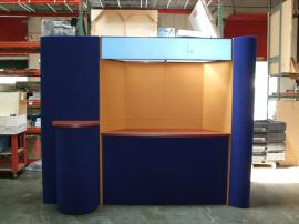 Intro Folding Fabric Display with Backlit Header