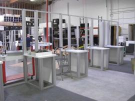 RENTAL Exhibit -- 20' x 30' Island with Internal Workstations (shown without graphics) -- Image 1