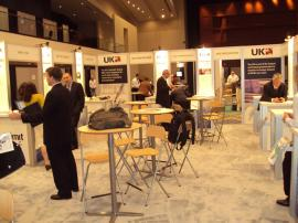 RENTAL Exhibit -- 20' x 30' Island with Internal Workstations (shown with graphics) -- Image 7